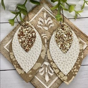 ✨NEW✨Gorgeous Cream Leather Earrings!